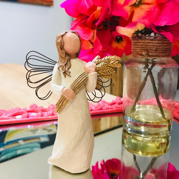 """SOLD🆕Willow Tree """"Angel of Autumn"""" Figurine"""